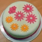 Permanent Link: Somrig gul och rosa tårta