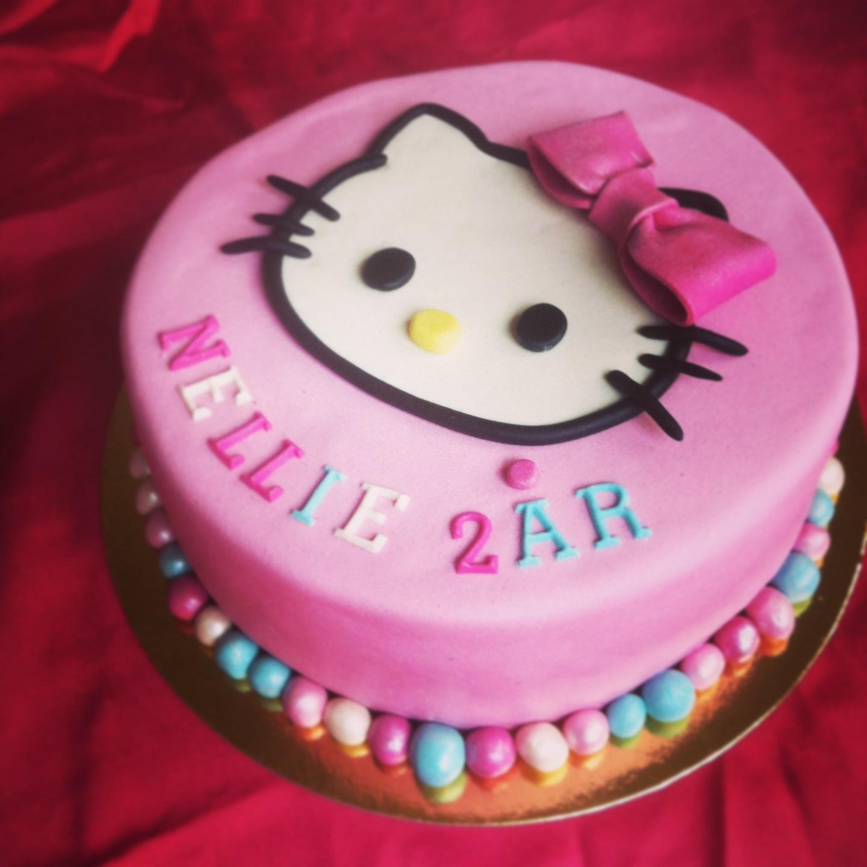 hello kitty tårtdekoration