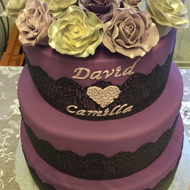Bröllopstårta i rockigstil