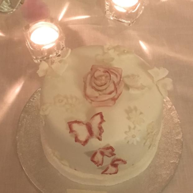 Glutenfri bröllopstårta
